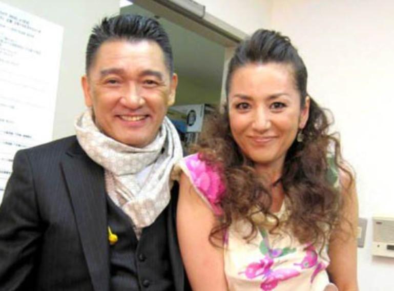 萩原健一と冨田リカのツーショット写真